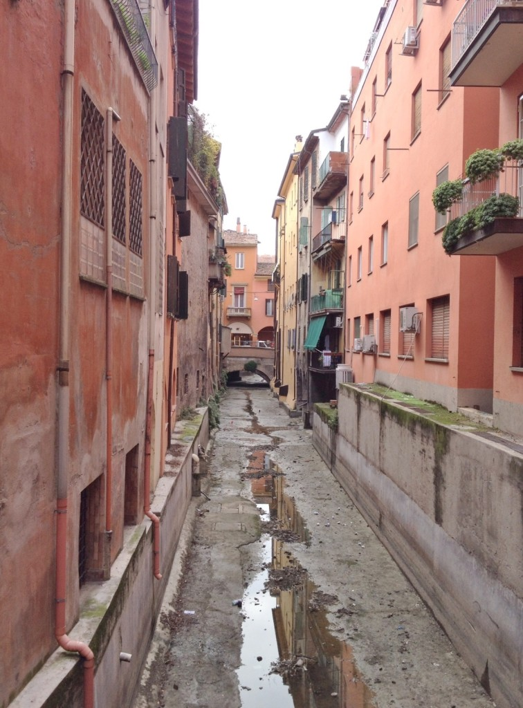 canals_bologna_italy