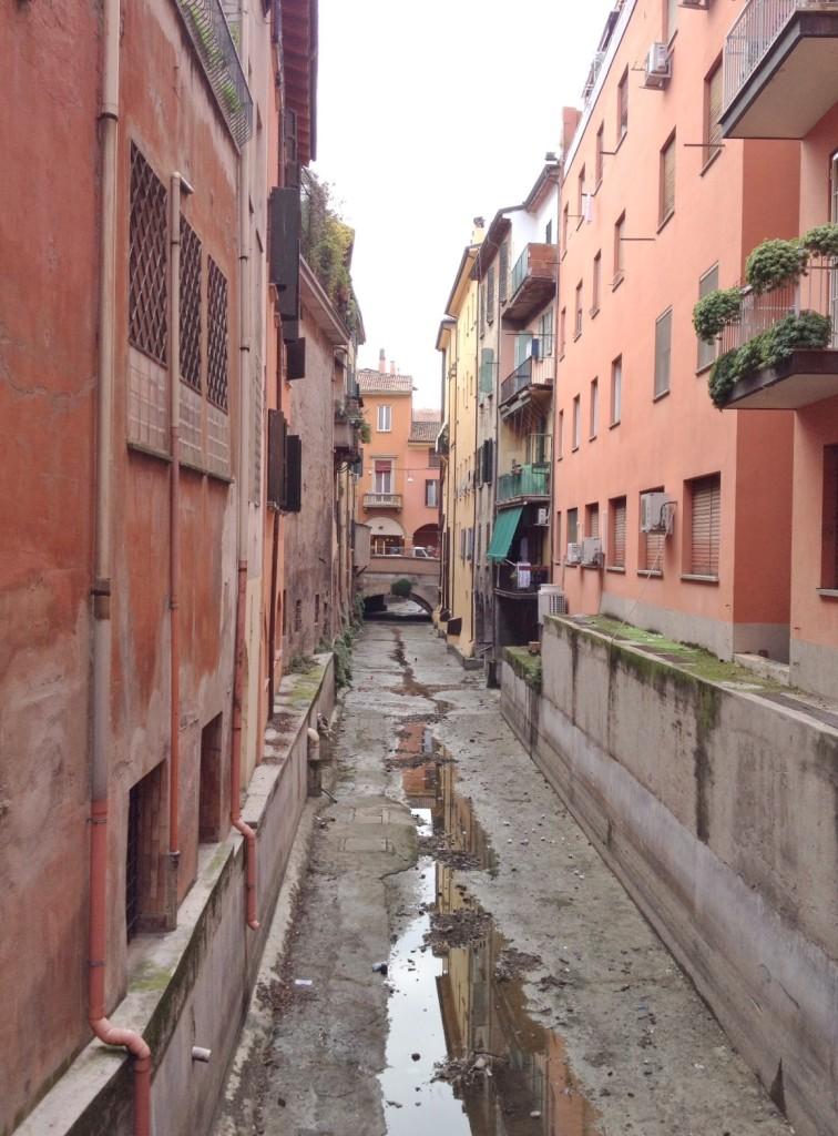 canals_bologna_italy