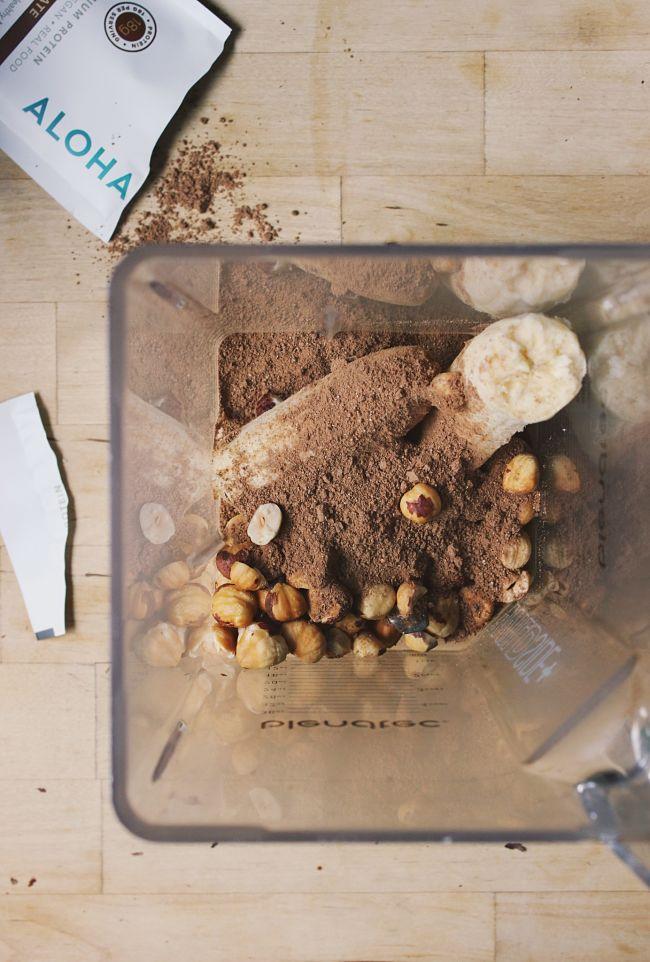 Chocolate Hazelnut Smoothie Bowl | @withfoodandlove