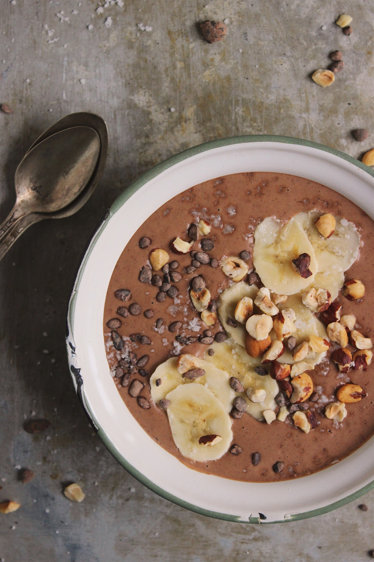 Creamy Vegan Chocolate Hazelnut Smoothie Bowl