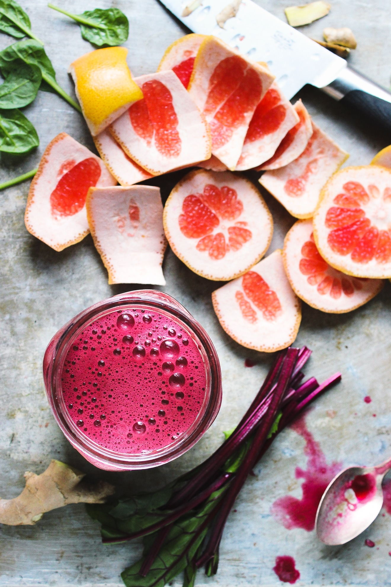 Fresh Vibrant Beet Grapefruit Green Juice | With Food + Love | Boost your immunity and hydrate your skin with fresh and vibrant beet and grapefruit green juice. Perfect green juice for citrus season and for a winter glow. #grapefruitgreenjuice #beetandgrapefruit