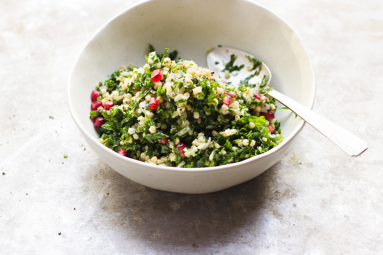 Sorghum Tabbouleh Salad with Clementine Thyme Dressing | Vegan, gluten-free sorghum tabbouleh salad. This winter tabbouleh salad is built with hearty greens, and a punchy citrusy-thyme dressing.