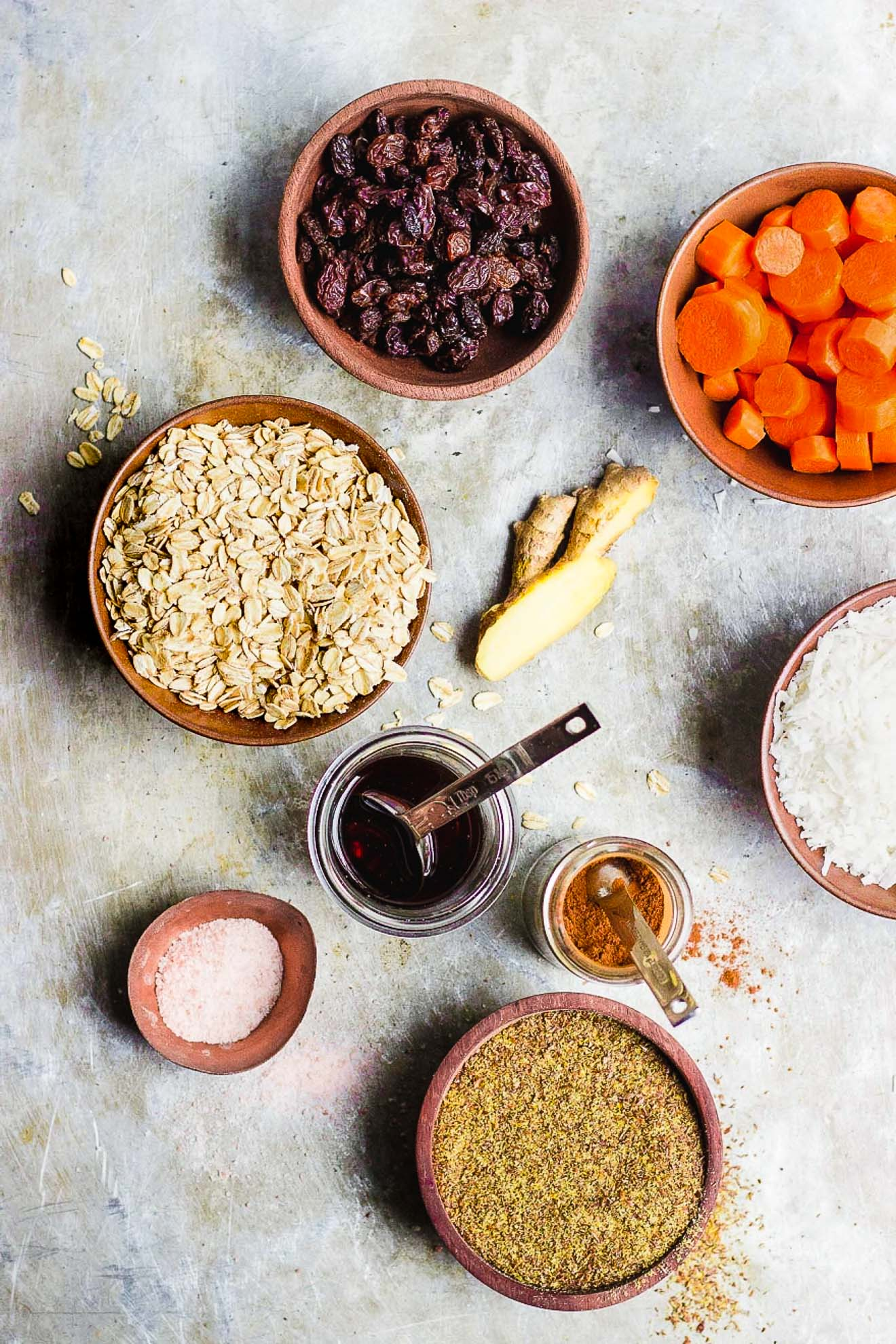 Carrot Cake Energy Balls with Flax Seed + Ginger | Vegan carrot cake energy balls with flax seed for plant-based protein and fresh ginger. An easy, portable energy ball breakfast and snack.