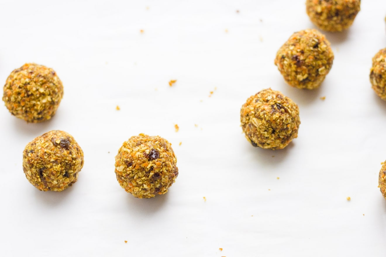 Carrot Cake Energy Balls | @withfoodandlove