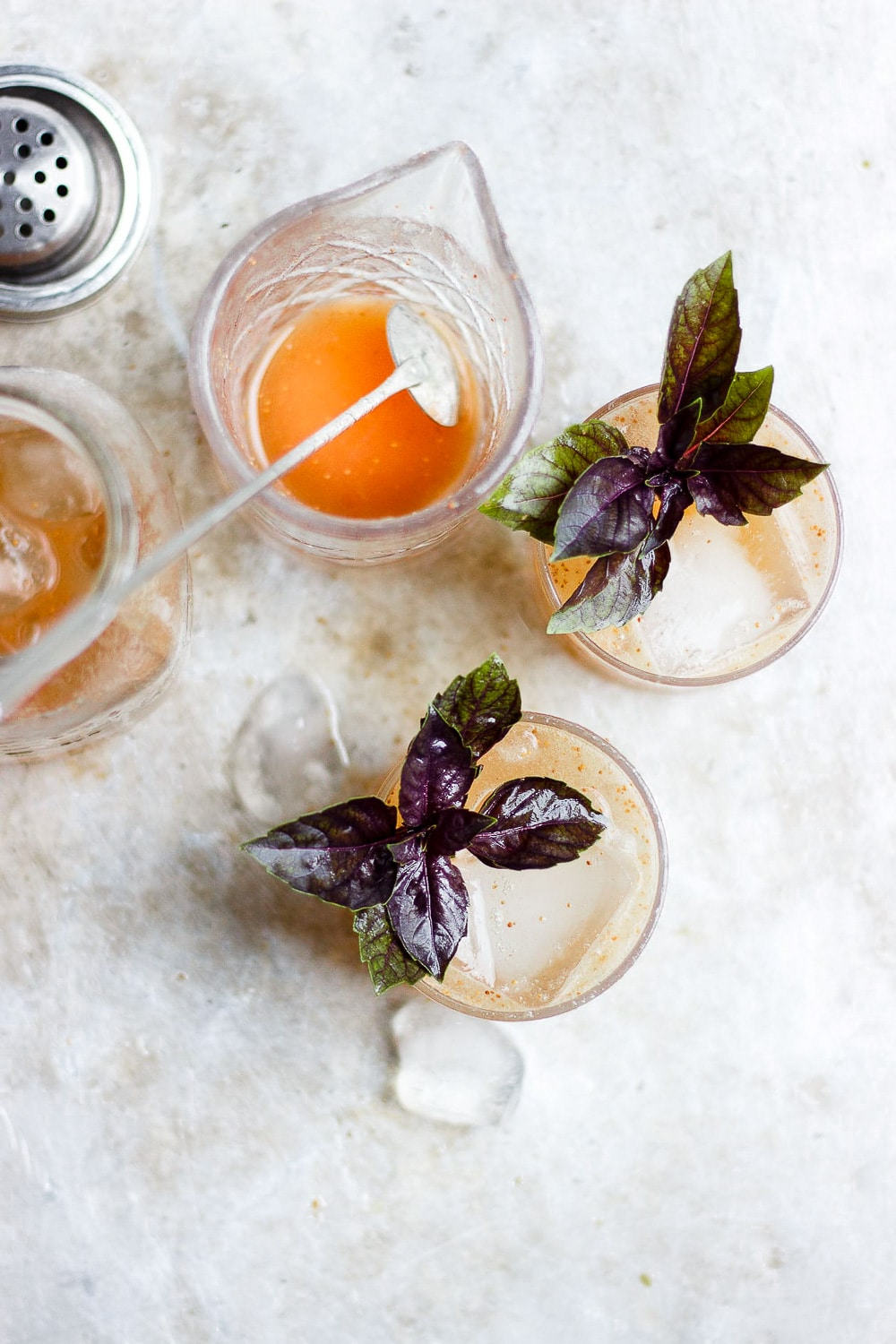BASIL FIG VODKA SMASH WITH HONEY
