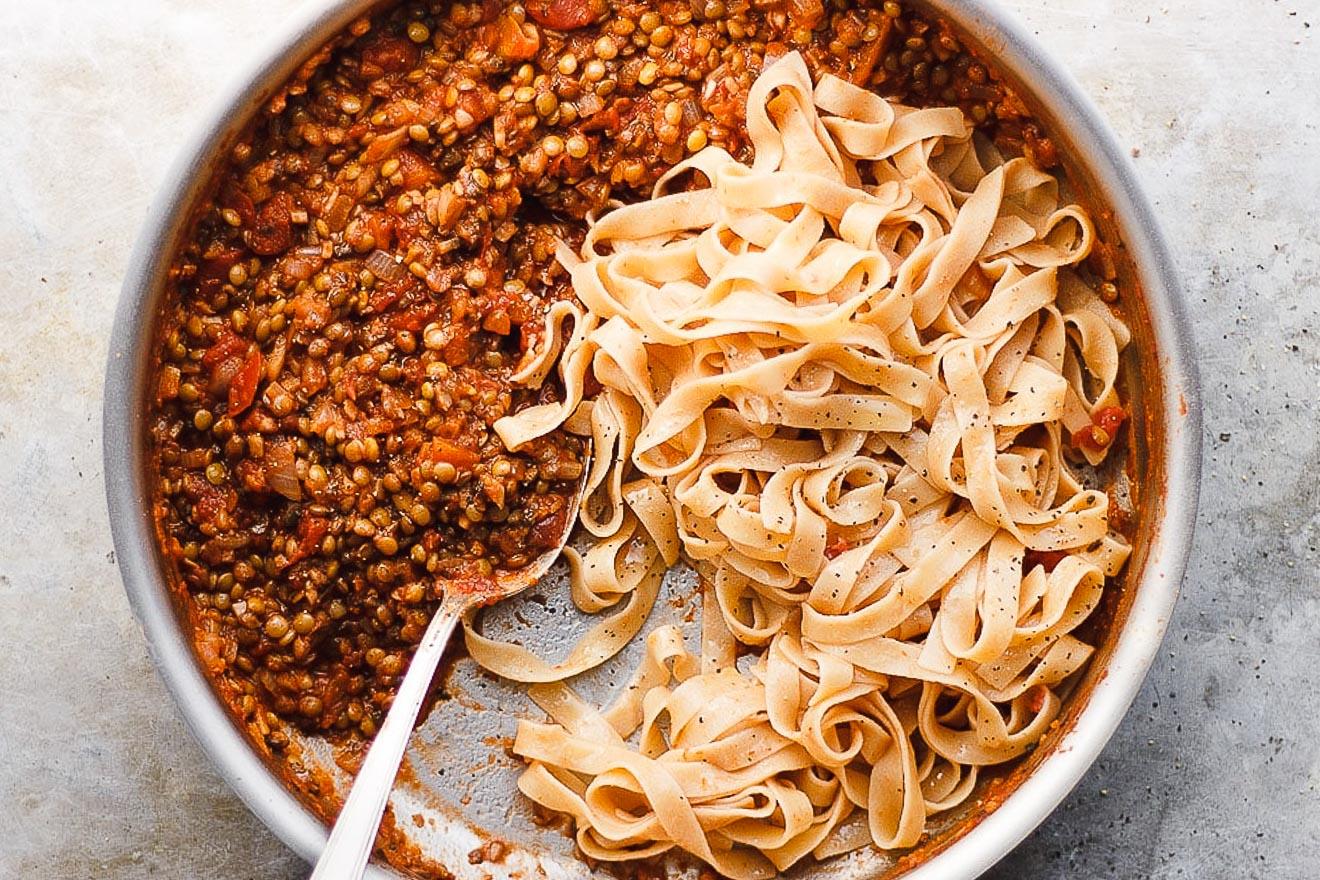 lentil bolognese sauce with tagliatelle pasta