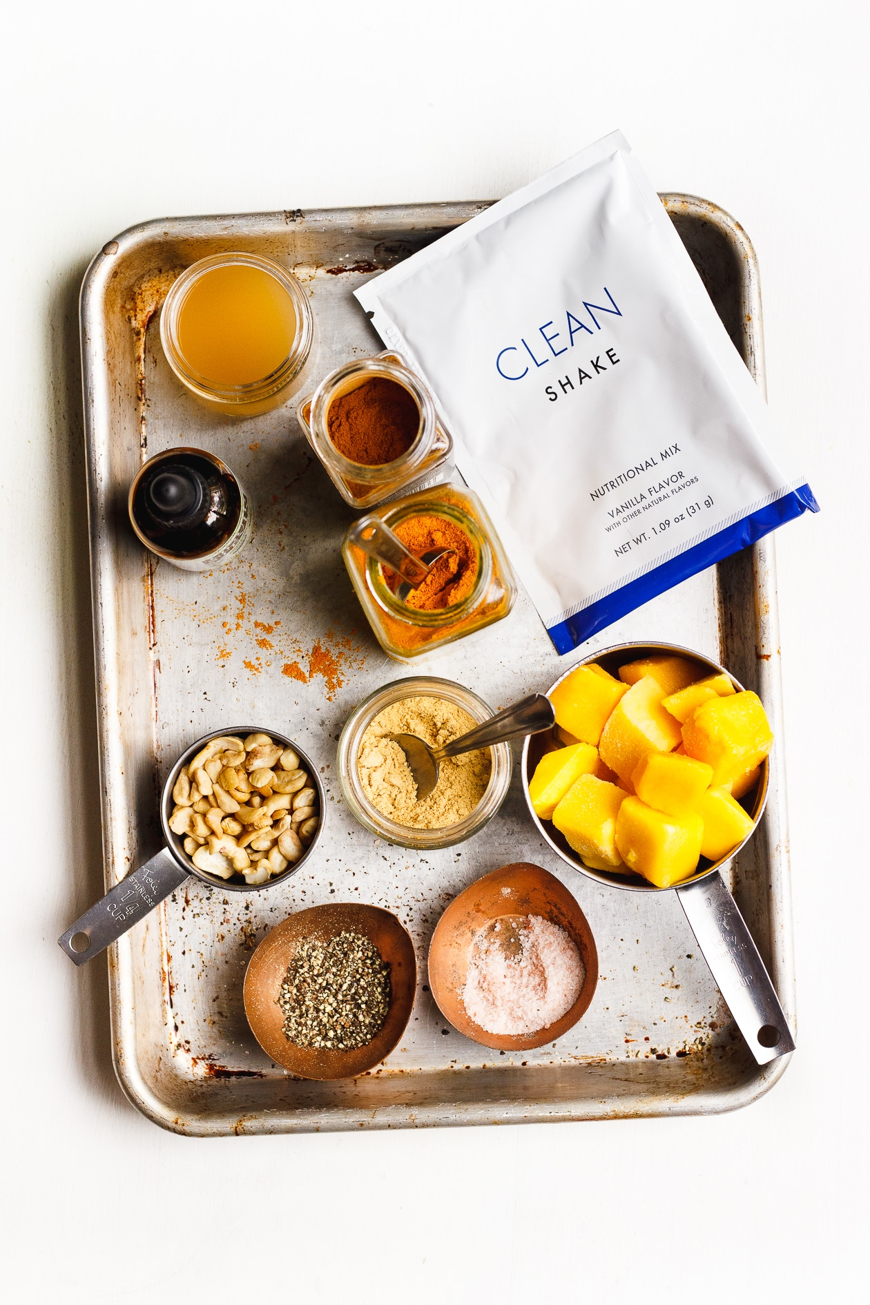 My Clean Program Review + my favorite golden smoothie! | Dr. Junger's 21 Day Clean Program is revolutionary and life-changing. A hearty cleanse where you eat nutrient-dense food, feel amazing and full.