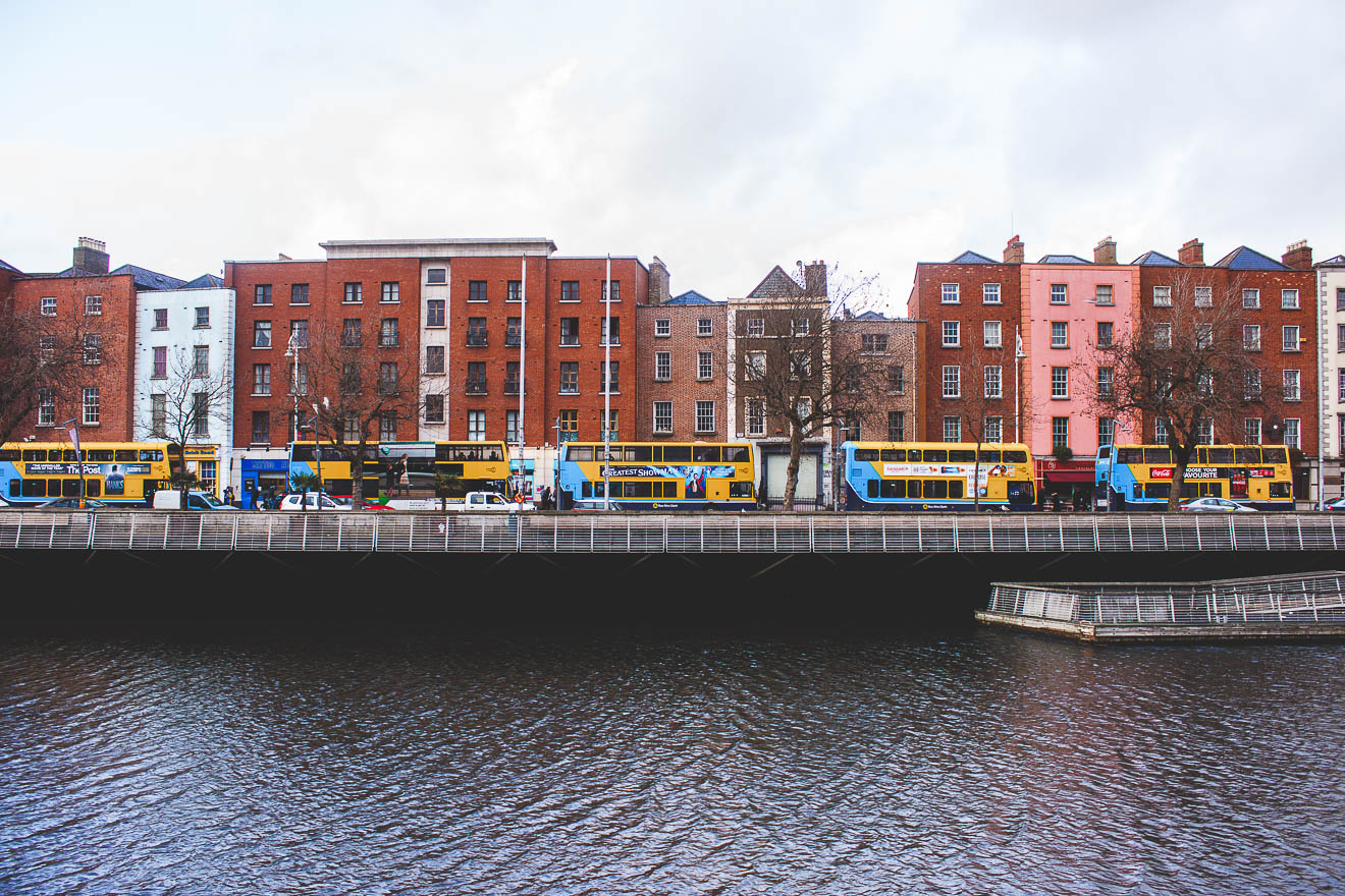 WHAT TO EAT AND DRINK AND DO IN DUBLIN IRELAND