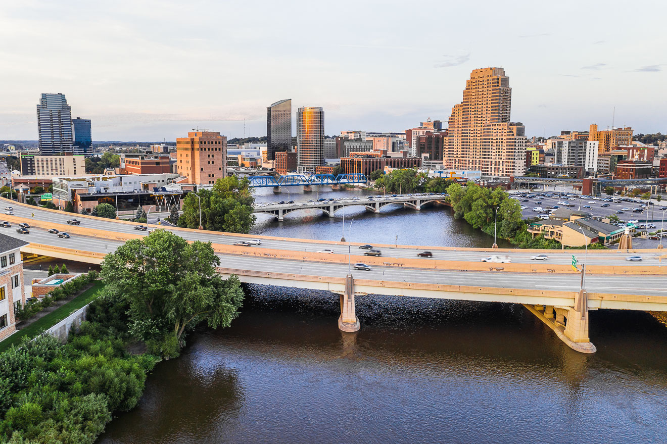 Exploring Grand Rapids | Exploring Grand Rapids - where to eat, drink and what to see and do. Grand Rapids is just a short drive from Lake Michigan. #grandrapids