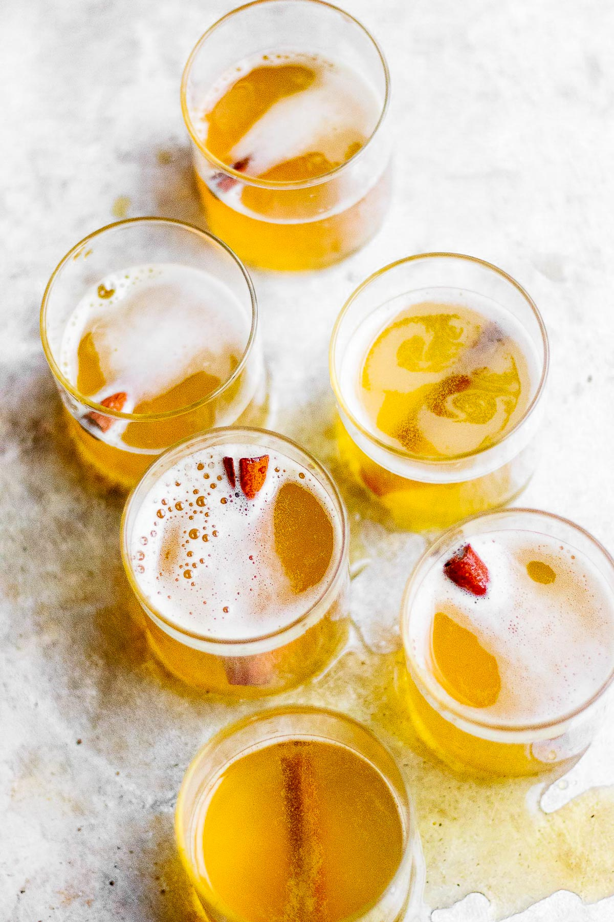 golden champagne cocktail
