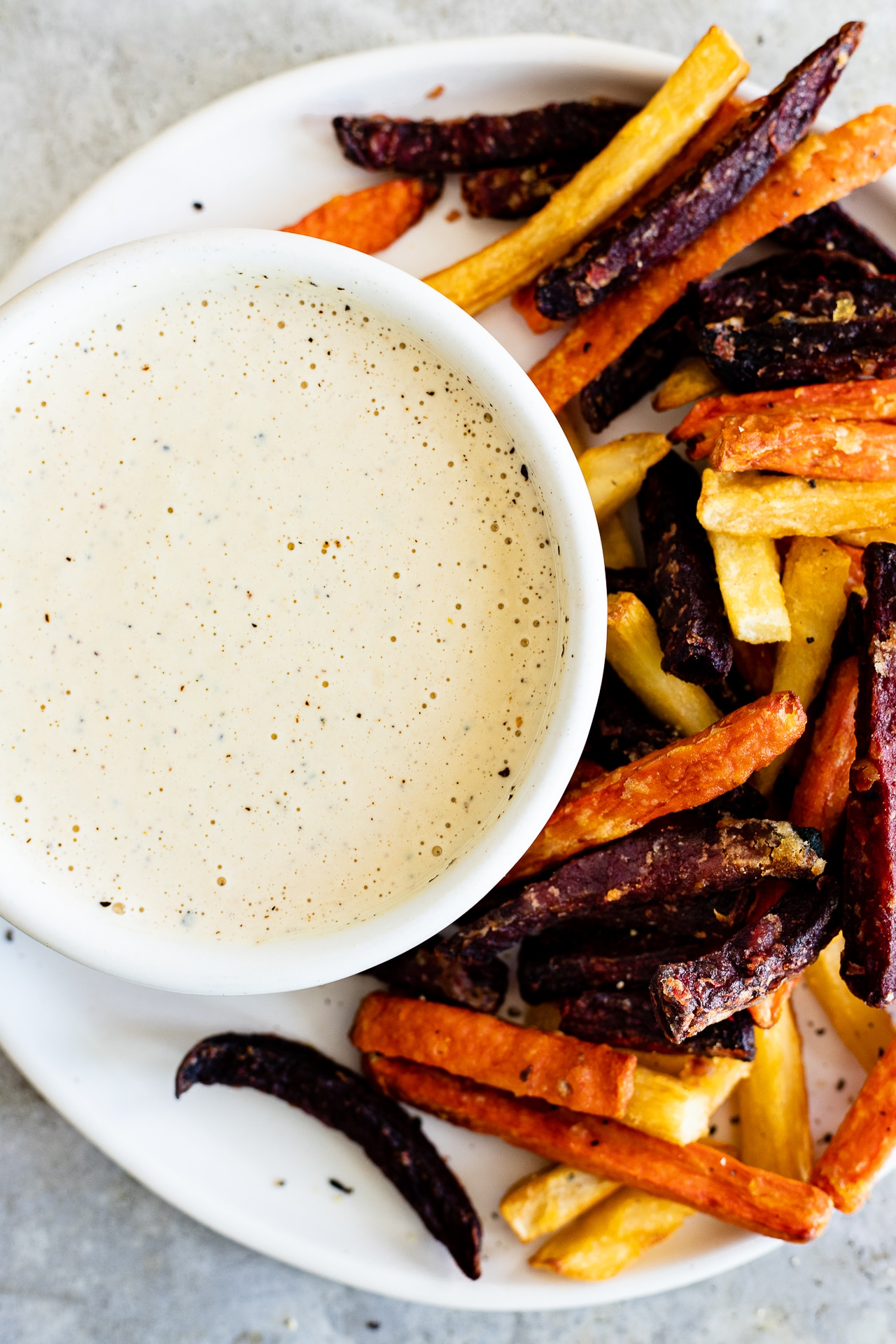 garlic tahini cream sauce with fries